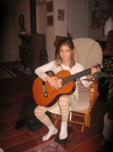 Hanna gitározott:)